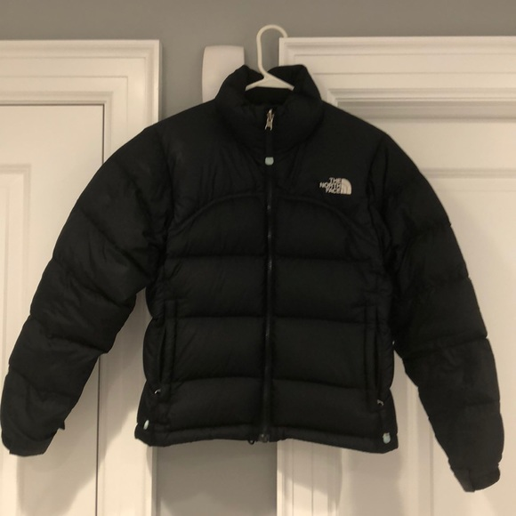 643970369 The North Face short women's puffer jacket